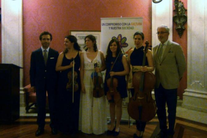 Música tocada por mujeres, gastronomía y Portugal
