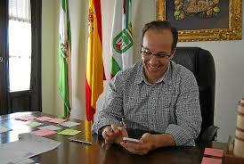 El alcalde de Hinojos con el whatsapp